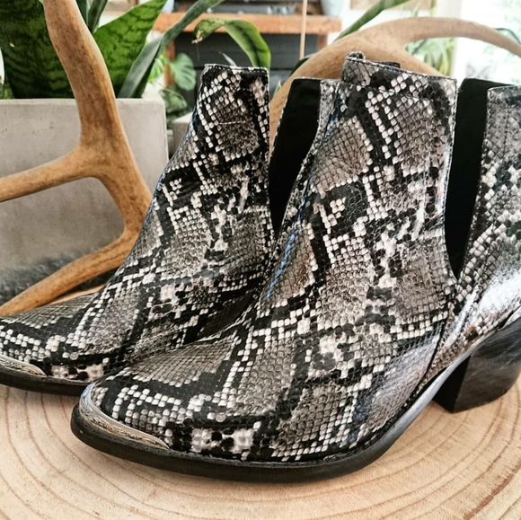 Jeffrey Campbell Cromwell Western Boots